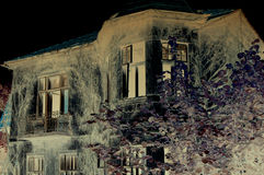 阴沉的老房子 免版税图库摄影