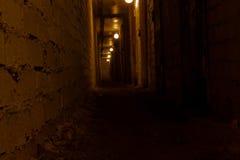 阴沉的隧道 免版税库存照片