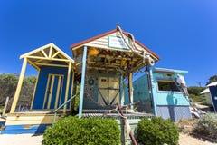沐浴沿Mornington海滩墨尔本澳大利亚的Mornington箱子或海滨别墅 库存图片