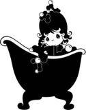 沐浴在浴缸的小女孩 库存例证
