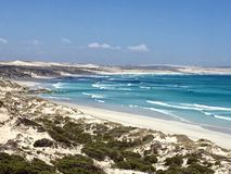 沙丘和热带海滩在海湾 库存照片