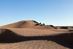 沙丘在撒哈拉大沙漠 库存照片