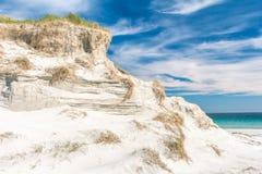 沙丘峭壁 纽瓦克, Sanday,奥克尼,苏格兰海湾  免版税库存图片