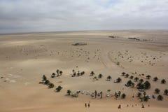 从沙丘头等的鸟的眼睛看法 免版税库存照片