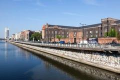 沙勒罗瓦运河在布鲁塞尔,比利时 库存照片