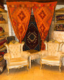 沙发和地毯 免版税库存照片