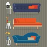 沙发和边桌 免版税库存照片