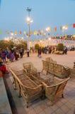 沙发设置,书刊上的图片,印地安工艺品公平在加尔各答 库存照片