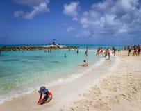 沙子乐趣巴哈马 免版税图库摄影