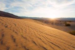 沙子和波浪纹理在死亡谷 免版税库存照片