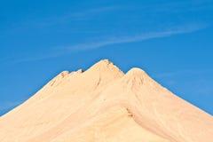 沙子和石头小山有山印象  免版税库存图片