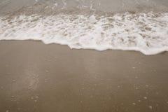 沙子圣塔蒙尼卡海滩在多云11月天 库存照片