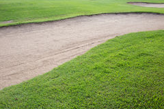 沙子地堡和绿草 免版税图库摄影