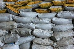 沙子大袋保护的洪水 免版税库存照片