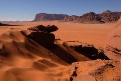 沙子沙丘在瓦地伦沙漠 免版税库存照片