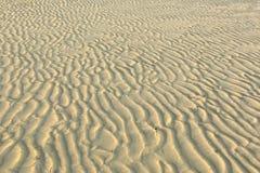 沙子波浪。 免版税库存图片