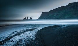 黑沙子海滩Vik 免版税库存图片