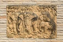 沙子石头制作了大象家庭 免版税库存照片