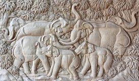 沙子石头制作了大象家庭 图库摄影