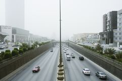沙尘暴在利雅得市 免版税库存图片