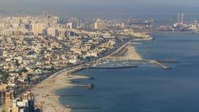 沙扎海岸线全景从阿吉曼的 股票视频