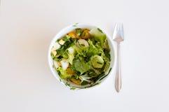沙拉和叉子 免版税库存照片