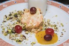 沙拉在餐馆自助餐的食物开胃菜的Selction 免版税库存图片