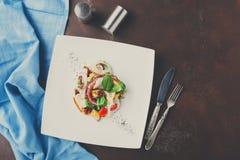 沙拉有章鱼和菜顶视图 库存图片