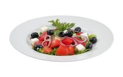 沙拉用橄榄、甜椒和希腊白软干酪 免版税库存照片