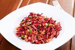 沙拉用甜菜根和芹菜 免版税库存图片