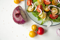沙拉用红色和黄色蕃茄 图库摄影