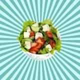 沙拉用蕃茄,黄瓜,无盐干酪乳酪 顶视图 免版税库存图片