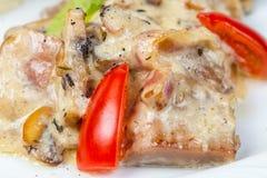 沙拉用蘑菇、牛肉和菜 库存图片