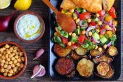 沙拉用黄瓜,葱,蕃茄,茄子 库存照片
