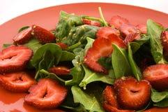 沙拉菠菜草莓 免版税图库摄影