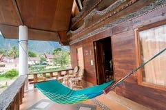 沙摩西岛别墅传统和古色古香的客厅  库存照片