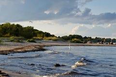 沙滩、波罗的海和老防堤岗位看法与 免版税库存图片