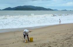在海的风暴波浪 免版税图库摄影
