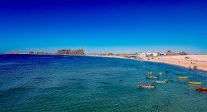 沙滩, Puerto Penasco,地面蛇,与浪潮的MX鸟瞰图  图库摄影