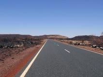 沙漠。路。 库存图片