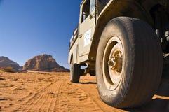 沙漠乔丹兰姆酒徒步旅行队旱谷 库存图片