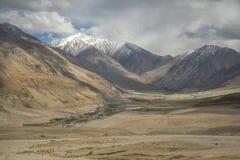 沙漠和沙子山景拉达克,印度 库存图片