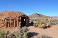 沙漠小屋在莫哈维族沙漠大峡谷 免版税库存图片