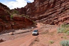 沙漠山谷路 图库摄影