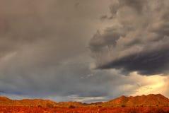 沙漠山风暴 库存图片