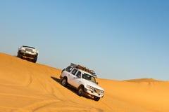 沙漠徒步旅行队撒哈拉大沙漠 免版税库存图片