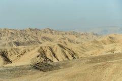 沙漠晴朗的风景视图在死海附近的在以色列 免版税库存图片