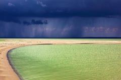 沙漠湖 免版税库存图片