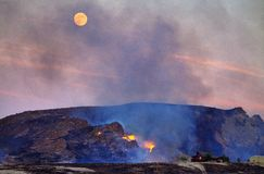 沙漠火上限 免版税库存照片
