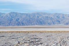 沙漠路,加利福尼亚。 免版税库存照片